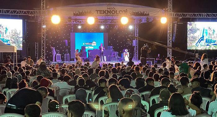 Dr. Özgür AKIN 2.İnegöl Teknoloji Festivalinin Konuğu Oldu